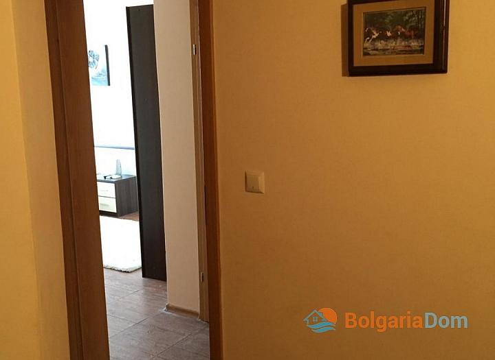 Просторный трёхкомнатный апартамент в Поморие . Фото 13