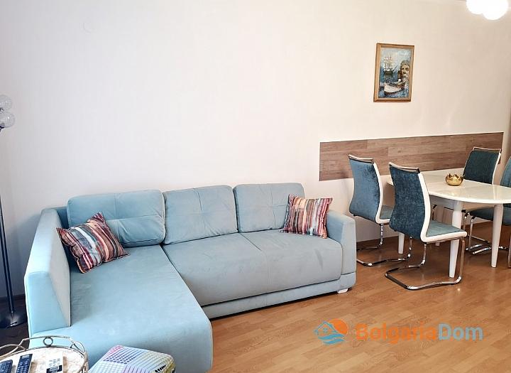 Апартамент с двумя спальнями в 100 м от пляжа в Солнечном Береге. Фото 2