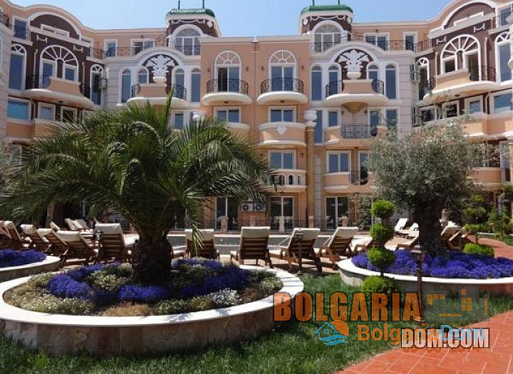 Квартиры на продажу комплекс в центре курортного поселка Равда. Фото 2