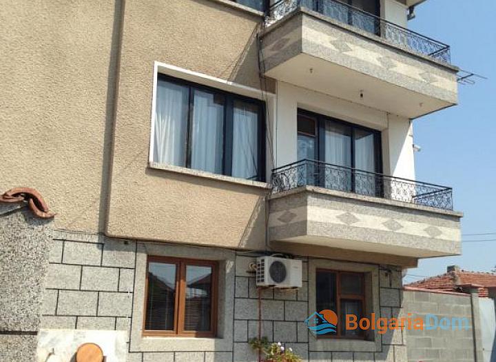 Трехэтажный дом на продажу в курортном городке Ахелой. Фото 15