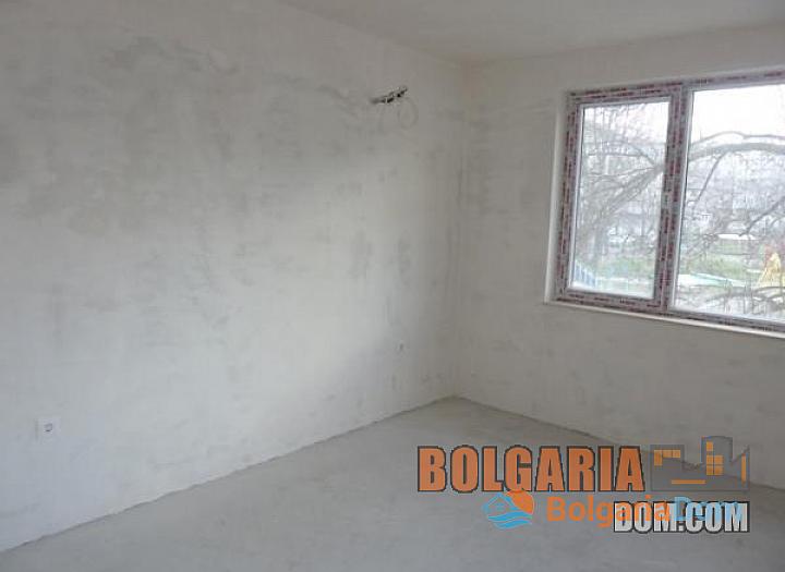 Двухкомнатная квартира в элитном районе Бургаса Лазури!. Фото 6