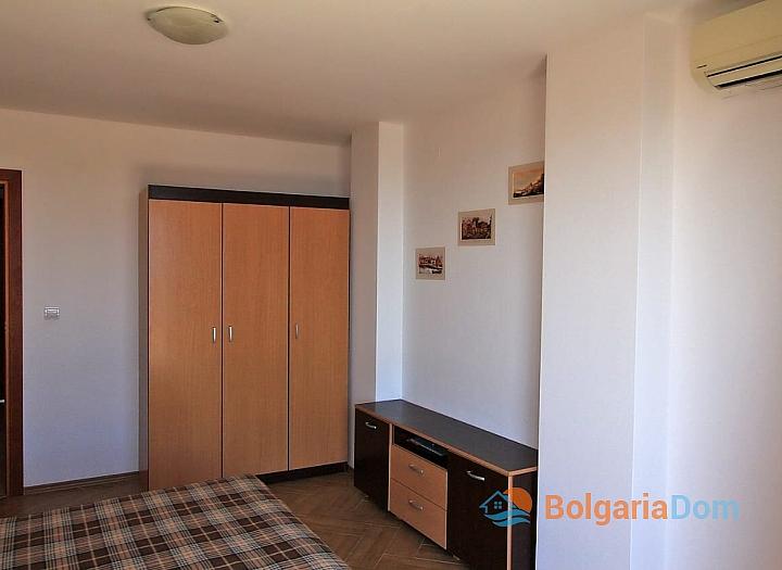 Трехкомнатная квартира с панорамными видами в Бяле. Фото 17