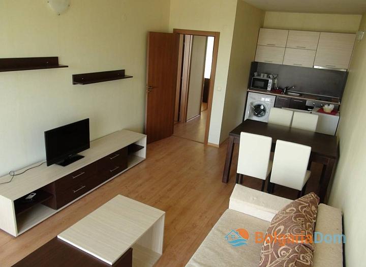 Квартира с 2 спальнями в Равде. Фото 1