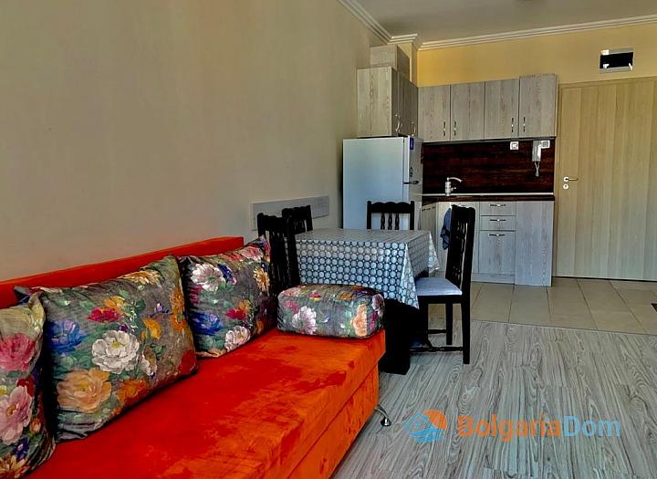 Трехкомнатная квартира на продажу в Бяле. Фото 8