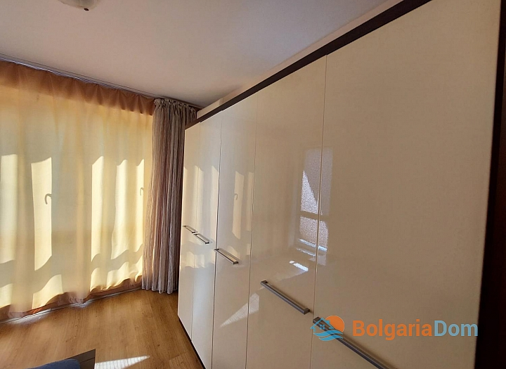 Прекрасный апартамент с двумя спальнями на Солнечном берегу. Фото 17