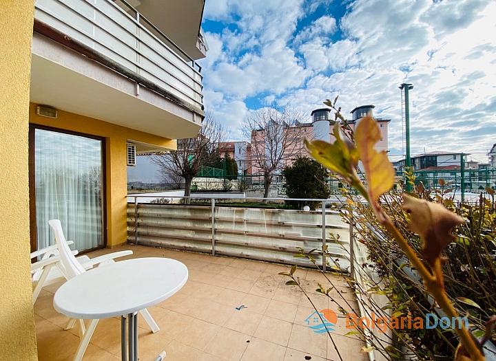 Двухкомнатная квартира на продажу в курортном поселке с видом на море. Фото 12