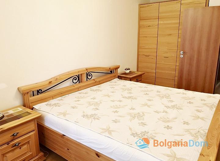 Апартамент с двумя спальнями в 100 м от пляжа в Солнечном Береге. Фото 3