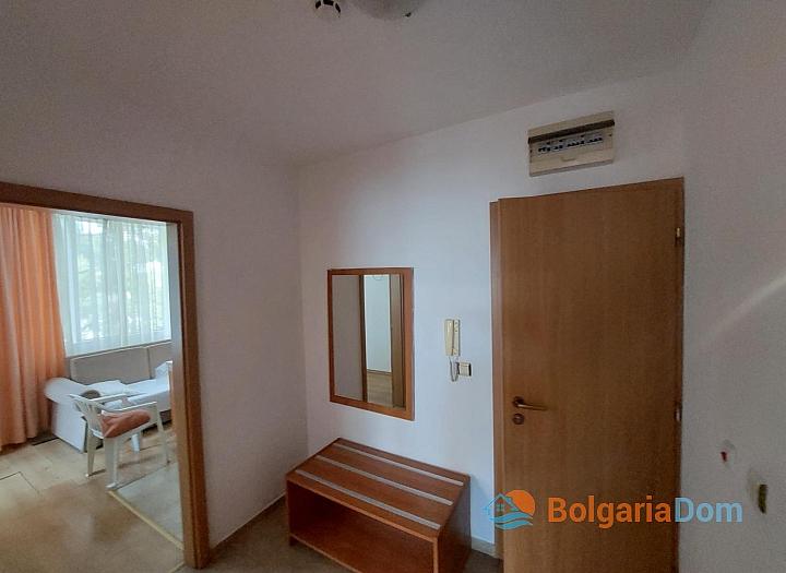 Прекрасный апартамент с двумя спальнями без таксы на Солнечном берегу. Фото 10
