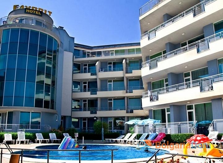 Большая двухкомнатная квартира на Солнечном берегу в районе Какао Бич. Фото 1