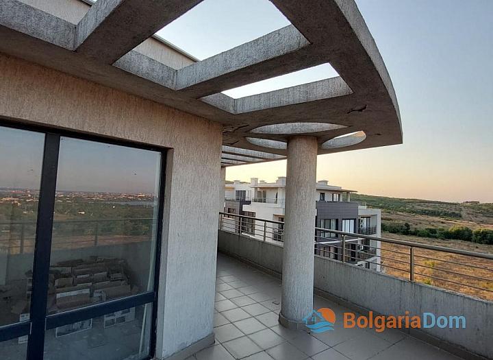 Огромный апартамент на весь этаж с панорамным видом на море и Бургас!. Фото 20