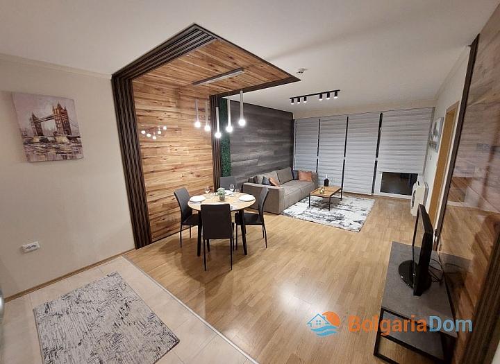 Просторная трехкомнатная квартира в центре Солнечного берега. Фото 1
