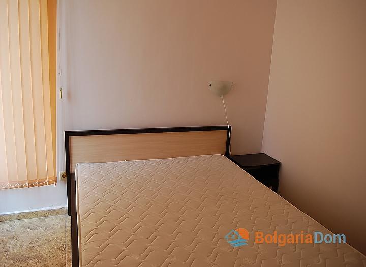 Квартира в жилом доме без таксы в центре Солнечного Берега. Фото 3