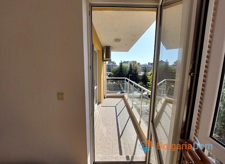 Прекрасный апартамент с двумя спальнями на Солнечном берегу. Фото 19
