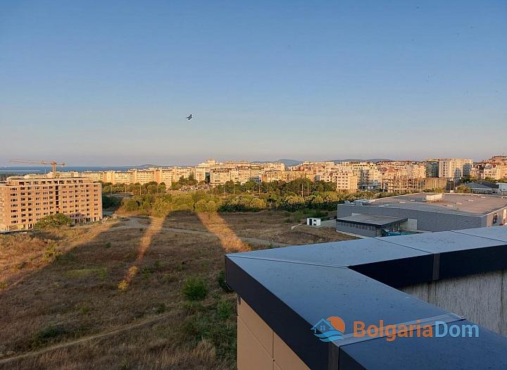 Огромный апартамент на весь этаж с панорамным видом на море и Бургас!. Фото 1