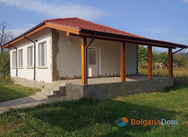 Новый одноэтажный дом в 15 км от моря. Фото 1