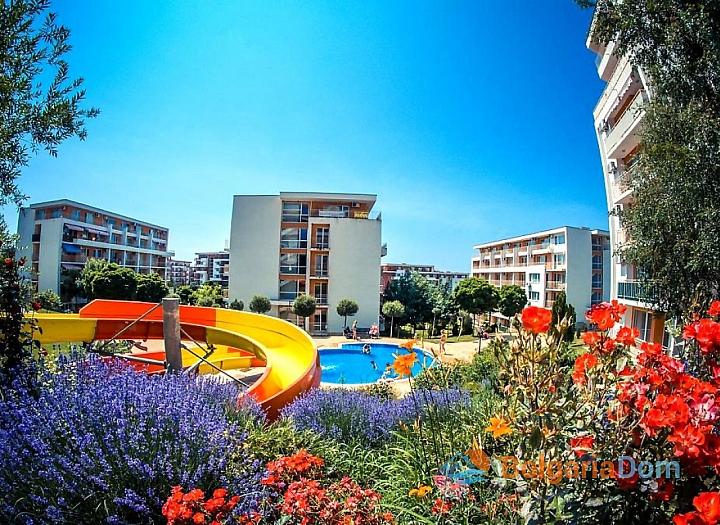 Двухкомнатная квартира с видом на море в комплексе Краун. Фото 1