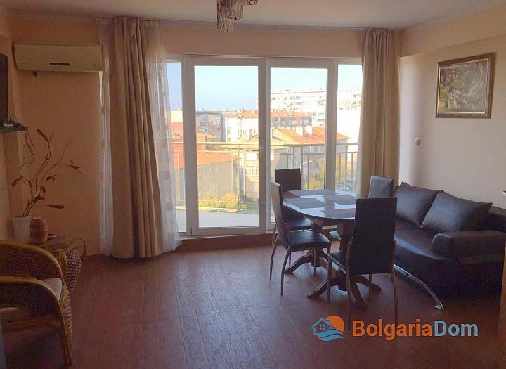 Просторный трёхкомнатный апартамент в Поморие . Фото 3