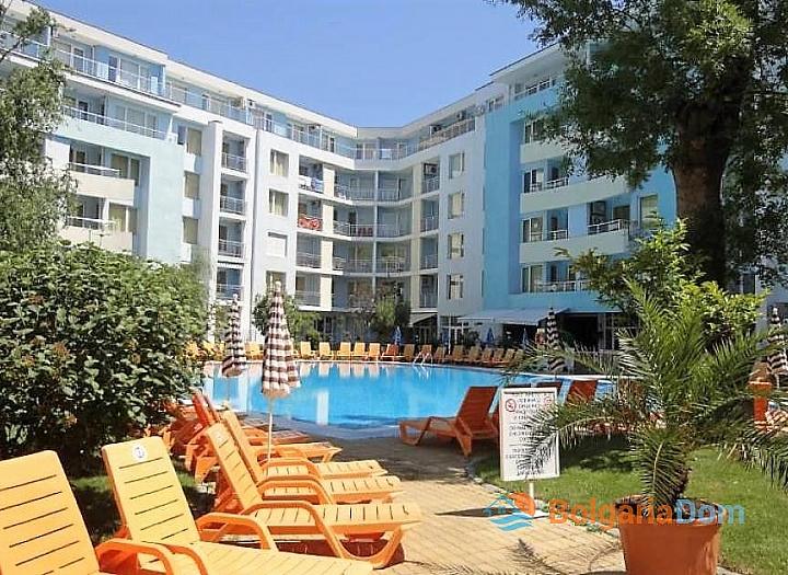Просторная квартира в 100 м от пляжа в Солнечном Береге. Фото 1