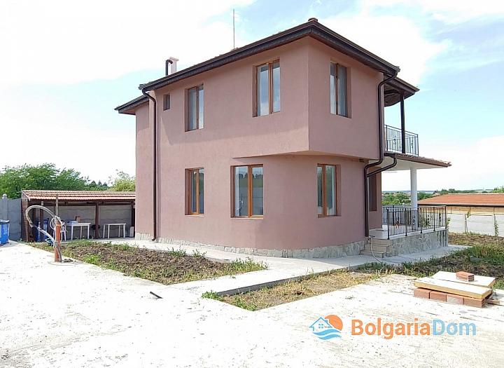 Новый двухэтажный дом на продажу в селе Дюлево. Фото 1