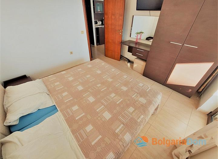 Двухкомнатная квартира в комплексе на Солнечном Берегу. Фото 1