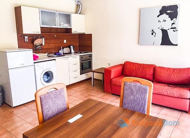Двухкомнатная квартира на продажу в Несебре. Фото 2