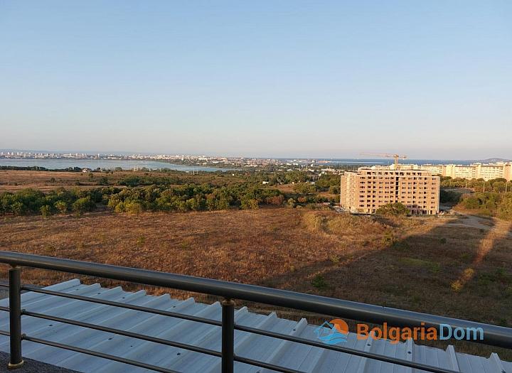 Огромный апартамент на весь этаж с панорамным видом на море и Бургас!. Фото 2