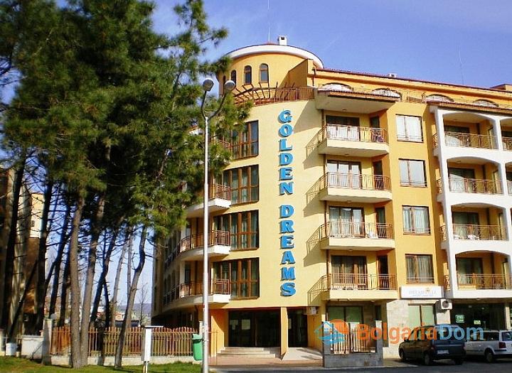Недорогая трехкомнатная квартира в курорте Солнечный Берег. Фото 18