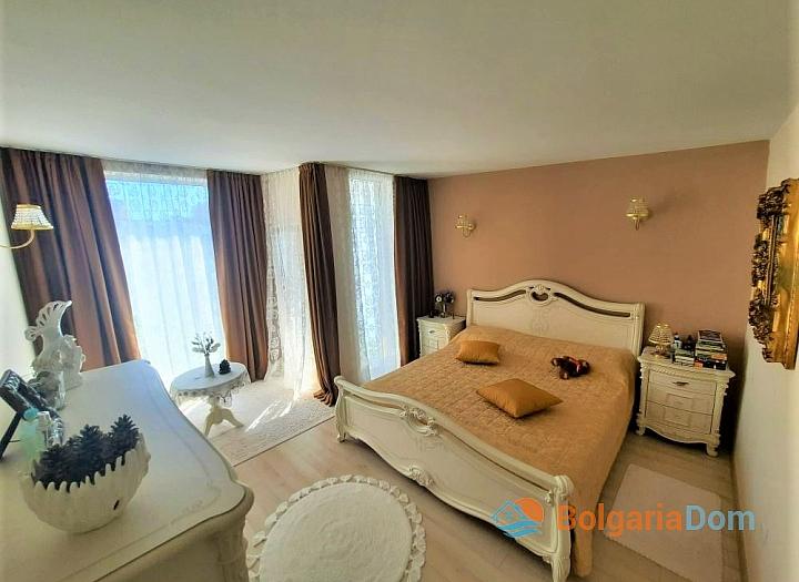 Трехкомнатная квартира у моря в курорте Солнечный Берег. Фото 11