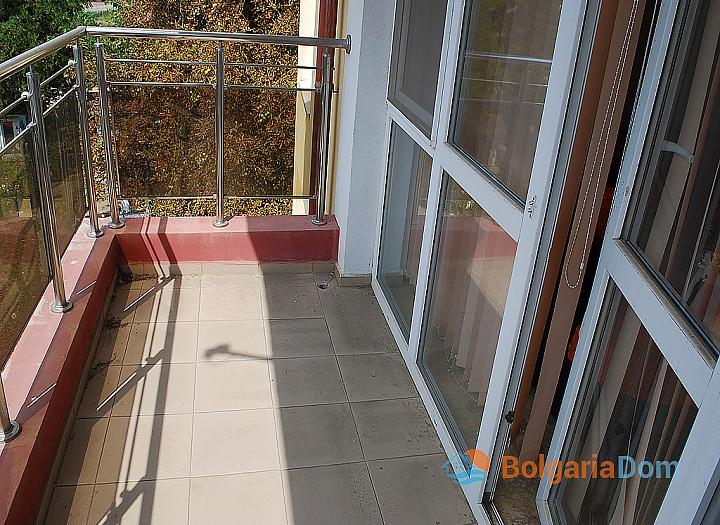 Квартира в жилом доме без таксы в центре Солнечного Берега. Фото 5