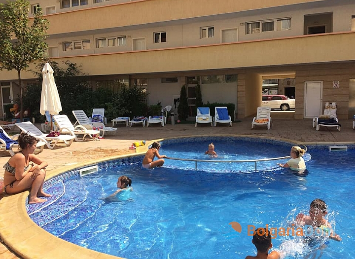 Недорогая трехкомнатная квартира на Солнечном берегу. Фото 2