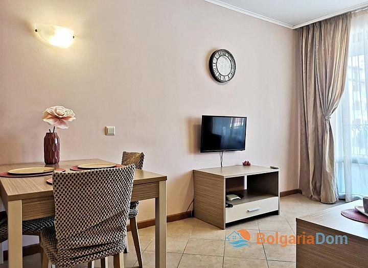 Красивая двухкомнатная квартира в комплексе Роял Сан. Фото 13