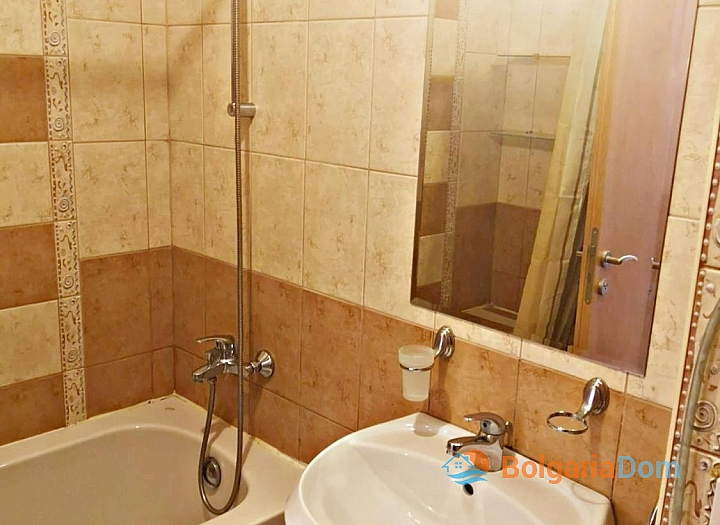 Красивая двухкомнатная квартира в комплексе Роял Сан. Фото 19