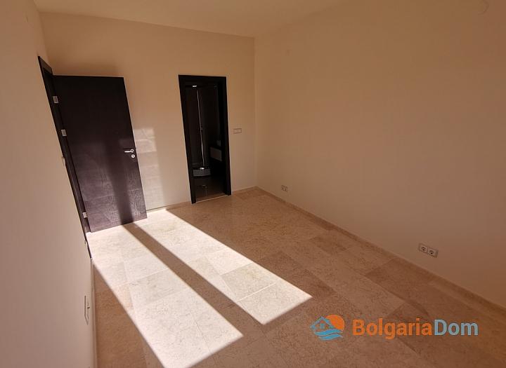 Новый трехкомнатный апартамент на первой линии Святого Власа. Фото 26