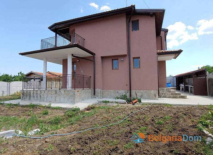 Новый двухэтажный дом на продажу в селе Дюлево. Фото 27