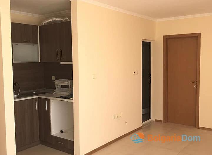 Квартира с большой панорамной террасой в Солнечном Береге. Фото 4