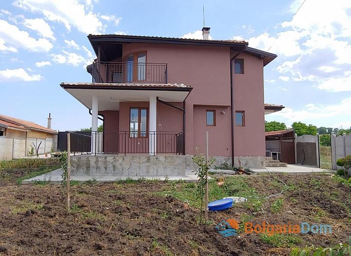 Новый двухэтажный дом на продажу в селе Дюлево. Фото 2