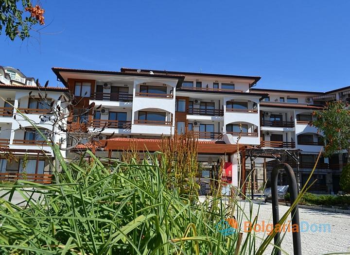 Квартира с 2 спальнями с видом на море на первой линии в Елените. Фото 11