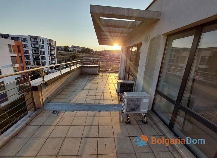 Огромный апартамент на весь этаж с панорамным видом на море и Бургас!. Фото 7
