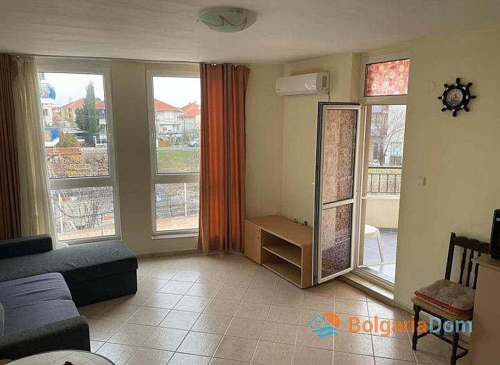 Двухкомнатная квартира в комплексе с видом на море. Фото 8