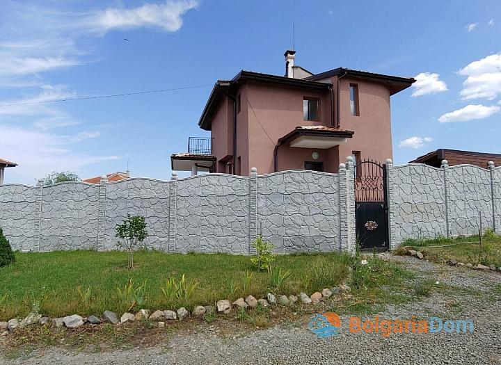 Новый двухэтажный дом на продажу в селе Дюлево. Фото 3