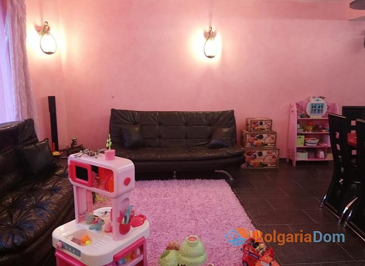 Трёхкомнатная меблированная квартира в Святом Власе для постоянного проживания. Фото 4