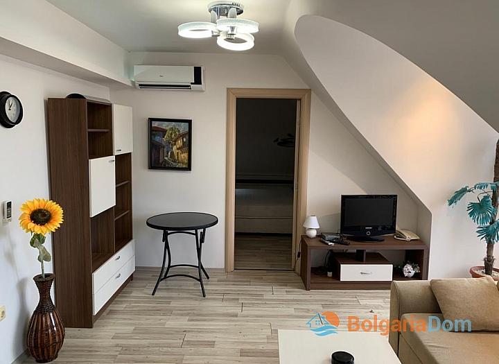 Двухкомнатная меблированная квартира с джакузи на Солнечном берегу. Фото 3