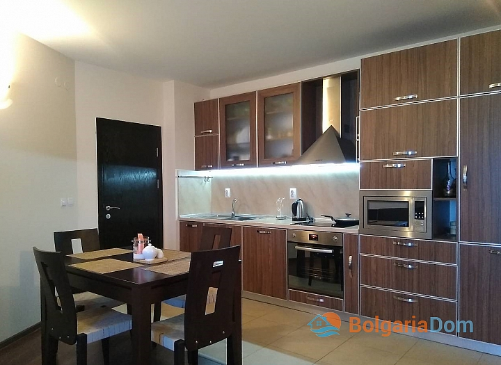 Четырехкомнатная квартира на продажу в Сарафово. Фото 2