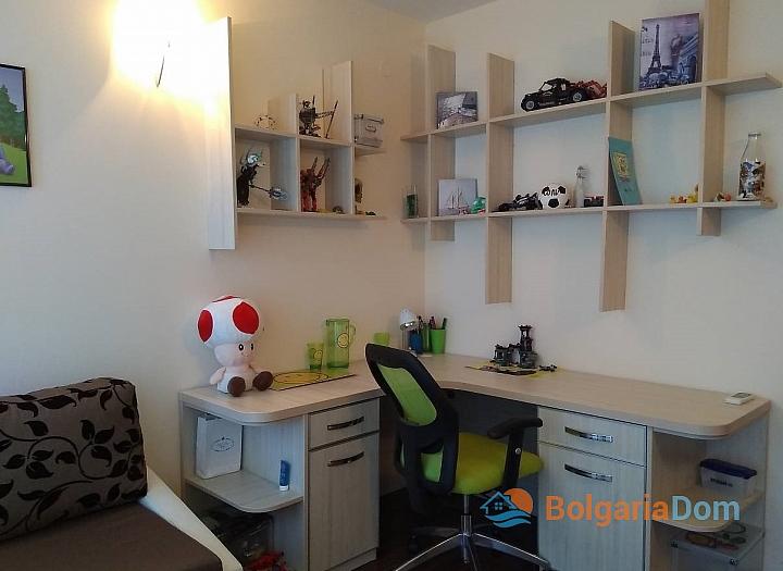 Четырехкомнатная квартира на продажу в Сарафово. Фото 9