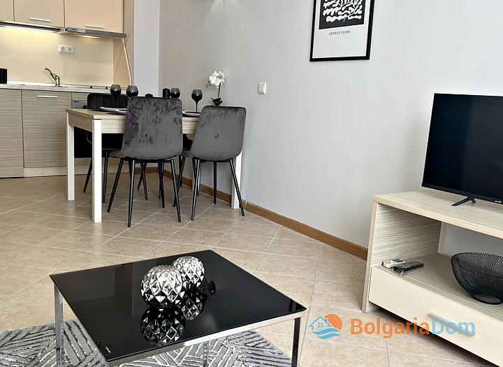 Двухкомнатная квартира с видом на море на Солнечном Берегу. Фото 4