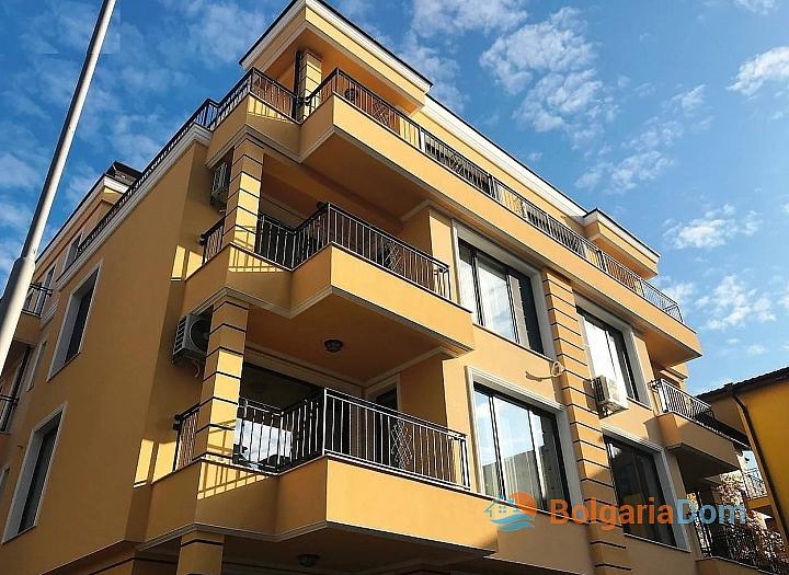 Отличная квартира в жилом доме без таксы в Несебре. Фото 10