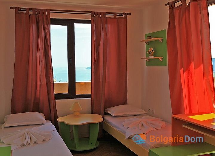 Трехкомнатная квартира с панорамными видами в Бяле. Фото 3
