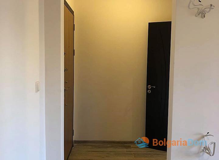 Отличная квартира в жилом доме без таксы в Несебре. Фото 4