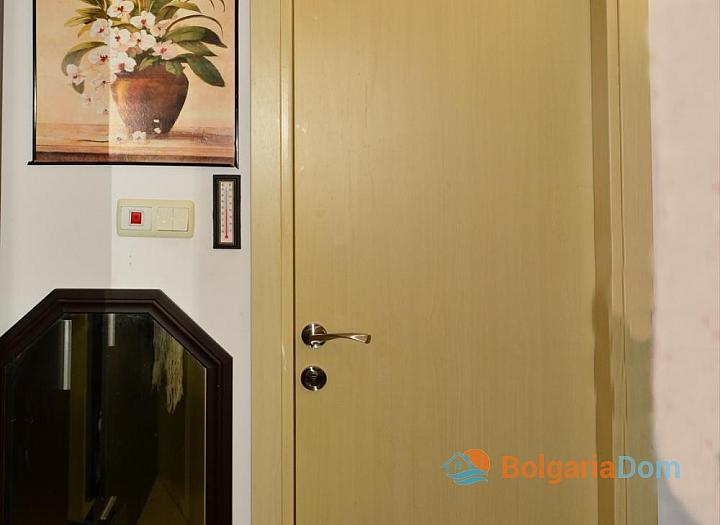 Продажа просторной студии в курорте Солнечный Берег. Фото 5