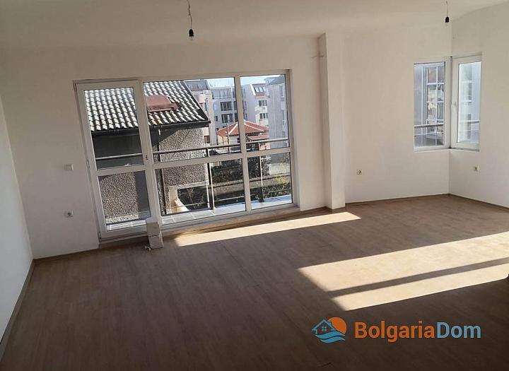 Новая трехкомнатная квартира в Сарафово, Бургас. Фото 2